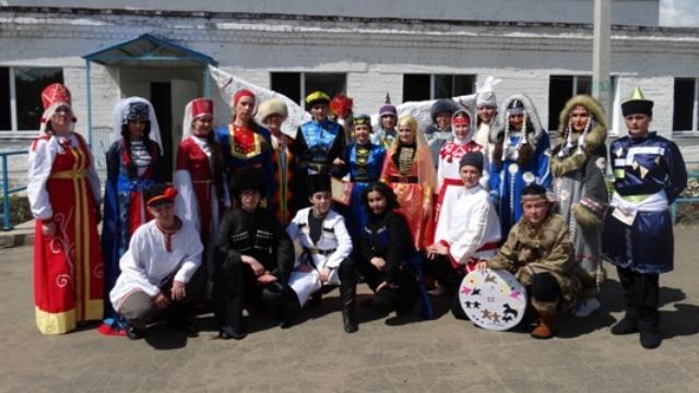 В Костромской колонии прошел костюмированный фестиваль народов России