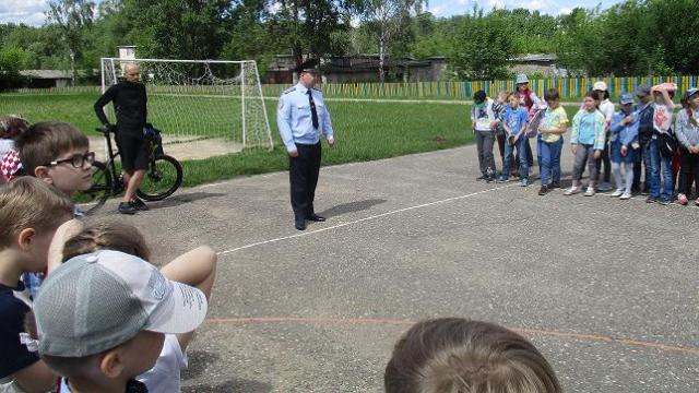Госавтоинспекторы Костромы совместно с представителями велосообщества провели тренинги для юных велосипедистов