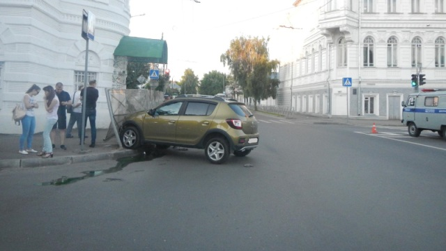 В Костроме грудной малыш серьёзно пострадал в ДТП