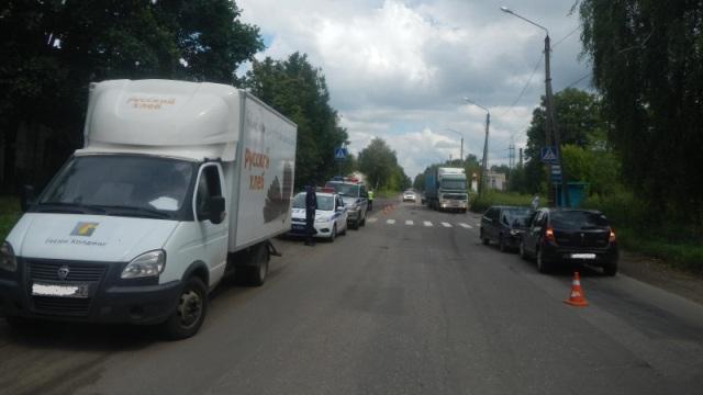 В Костроме водитель легковушки устроил массовое ДТП