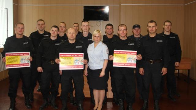 Костромские автоинспекторы и сотрудники Росгвардии призвали водителей обеспечить безопасность детей на дорогах