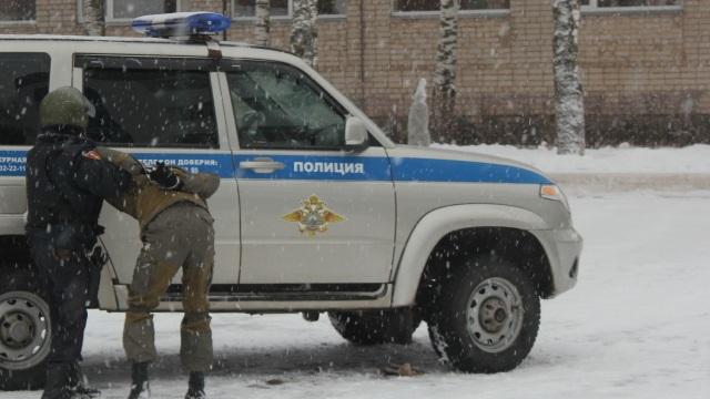 Костромич пытался похитить металлические гаражи вместе с хранившимися в них автомобилями