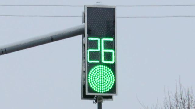 На перекрестке улиц Ленина и Калиновской введен «бесконфликтный» режим работы светофоров