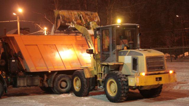 Дорожные службы Костромской области расчищают трассы от снега