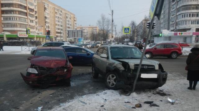 В Костроме в результате ДТП пострадали 3 человека