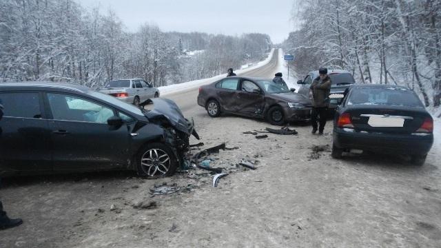В ДТП на трассе Кострома-Заволжск пострадала женщина и 14-летняя девочка