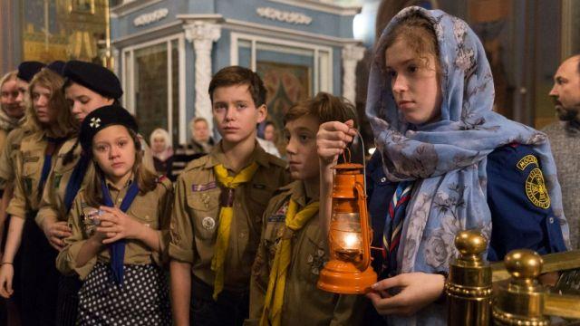 В канун Рождества в Кострому доставили огонь из Вифлеема